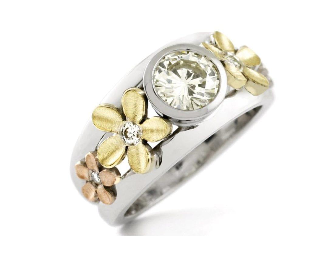 custom daisy rings
